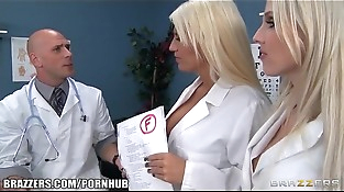 Two blonds whit big tits one gay whit big dik