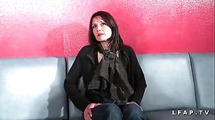 Cougar francaise sodomisee et prise en dual intrusion pour son casting porno