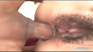 Mummy Getting Her Hairy Vagina And Asshole Fucked By 2 Guys Dp On The Bed