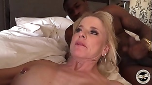 Mature MILF creampied by Big black cock