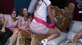Bachelorette Soiree Goes Crazy For the Bear! (db14088)