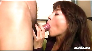 Mature Woman Providing Blowjob Fucked Fingered While Squirting By Young Dude On The