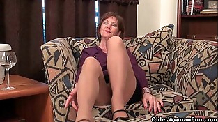 Mom'_s nipples and clit need attention after a hard days work