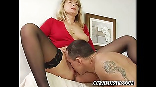 Unexperienced Milf in stockings deep throats and fucks